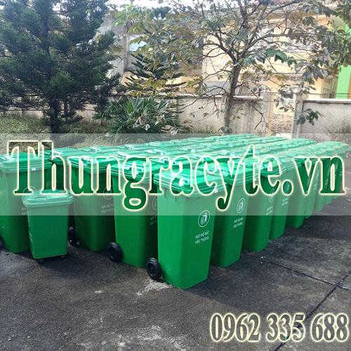 Trang bị thêm thùng rác để loại bỏ thói quen vứt rác bừa bãi